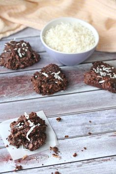Organic Chocolate, Chocolate Syrup, Chocolate Flavors, Chocolate Desserts, Healthy Dessert Recipes, Low Carb Recipes, Chocolate Drop Cookies, Coconut Biscuits, Cookie Calories