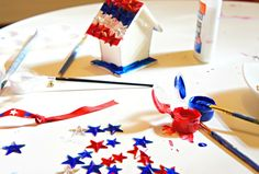 4th of July craft and kit ideas for toddlers.