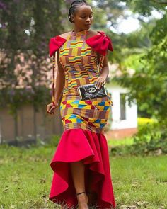 afrikanischer druck African kente beautiful and elegant outfit for ladies is made with a kente print and a red plain your graduation, prom, wedding, thanksgiving engagement churc African Prom Dresses, African Dresses For Women, African Fashion Dresses, African Women, African Clothes, African Lace, African Dashiki, Ankara Fashion, African Attire