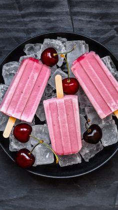 Ice Pop Recipes, Sushi Recipes, Popsicle Recipes, Ice Cream Recipes, Köstliche Desserts, Delicious Desserts, Watermelon Ice Pops, Healthy Popsicles, Ice Cream Pops