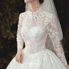 Muslim Wedding Dresses, Bridal Wedding Dresses, Dream Wedding Dresses, Wedding Dress Bustle, Boho Wedding, Ball Dresses, Ball Gowns, Classic Wedding Dress, Beautiful Gowns