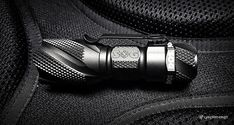 SOG Dark Energy Flashlight /// Vinjabond