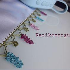 Fotoğraf açıklaması yok. Crochet Lace Edging, Crochet Baby, Knit Crochet, Knitted Poncho, Knitted Shawls, Diwali Craft, Happy Sunday, Baby Knitting Patterns, Knitting Socks