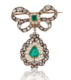 Georgian period emerald, diamond and pearl pin in 18k white and yellow gold #estatejewelry