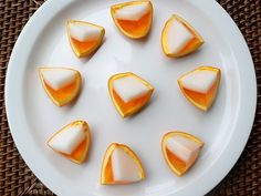 Jell-O Shot Recipes - Get the Candy Corn Jello Shots recipe from That's So Michelle – They are not for children obviously, but a 'virgin' version can be made. Candy Corn Jello Shots, Jello Pudding Shots, Easy Halloween Cocktails, Halloween Treats, Halloween Party, Halloween Entertaining, Fall Cocktails, Fall Drinks, Halloween Goodies