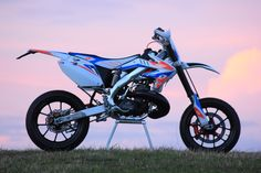 Christmas is coming soon, I just thought I would let you know that little fact. Honda CR500 supermoto.