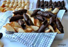 Txirloras de San José: Las Txirloras son unas pastitas típicas de Bizkaia que se preparan con ocasión del día del Padre.