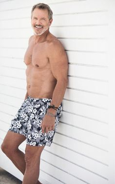 Male model based in New York / South Florida. Print, commercial, fashion. Mother agency: MP Mega Miami