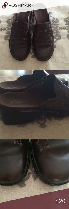 Clark shoes Great worn condition. See 3rd pic for slight wear, not bad at all. Clarks Shoes