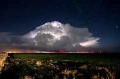 Yesterday's storms (11/16/2015) from just south of Pampa TX. [1600x1058] by Justin Terveen.