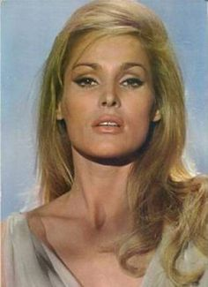 ursula andress - ursula andress Photo (32555844) - Fanpop James Bond, Hollywood Stars, Classic Hollywood, Old Hollywood, Ursula Andress, Divas, Cinema, Bond Girls, Raquel Welch