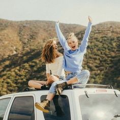 12 Ridiculously Cute Photos to Take With Your Best Friend This Summer - Project Inspired Cute Friend Pictures, Best Friend Photos, Best Friend Goals, Cute Photos, Good Photos, Cute Bestfriend Pictures, Cute Summer Pictures, Bff Pics, Inspiring Pictures