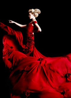 Red dress - #red #passion #color #colore #colour #fashion #couture #moda #couleur