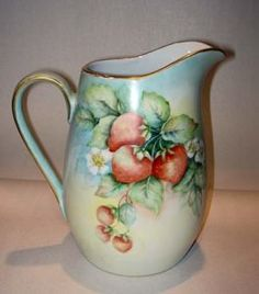 Superb Limoges Jug Strawberry Design Hand Painted & Signed I painted this with my china painting teacher, Agnes Smith, back in the early Antique China, Vintage China, Strawberry Pictures, Strawberry Kitchen, Antique Glassware, China Porcelain, Painted Porcelain, Hand Painted Signs, Chocolate Pots