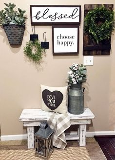 DIY Farmhouse Living Room Wall Decor https://www.goodnewsarchitecture.com/2018/01/17/diy-farmhouse-living-room-wall-decor/