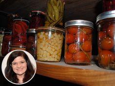 Mason Jar Pickling Tiips by Alex Guarnaschelli Uses For Mason Jars, Iron Chef, Executive Chef, Food Network Recipes, Pickles, Vegan Recipes, Veggies, Chef Food, Celebrity Chef