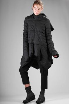 RICK OWENS - Sculpture Padded Jacket Longer On The Sides In Polyamide With An Horizontal Pleating Processing :: Ivo Milan