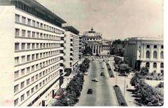 spre Ateneu (dreapta Palatul regal) - 1967