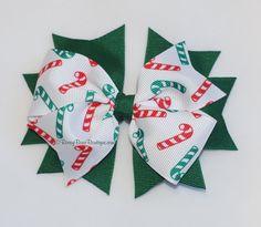 Arco del pelo del bastón de caramelo verde y por RoseyBearBoutique, $6,00