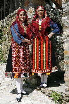 Greek costumes of Thrace. Greek Traditional Dress, Traditional Outfits, Gypsy Costume, Folk Costume, Dance Costumes, Greek Costumes, Greek Dancing, Empire Ottoman, Greek Culture