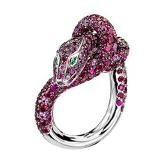 Kââ Ruby Ring, a Maison Boucheron Jewelry creation. A Boucheron creation tells a Story, that of the Maison and your own.