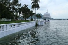 nehru2 Flooded Fateh Sagar Lake-Udaipur 14_09_2014