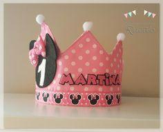 Los Productos de Ruca's: Corona Cumpleaños Minnie Mouse remodelada Ideas Para Fiestas, First Birthdays, Candy, Keepsakes, Crowns, Diy, Birthday Crowns, Themed Birthday Parties, Minnie Mouse Party