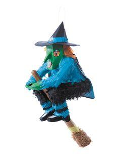 Piñata bruja Halloween: Esta bruja de Halloween es una piñata de 46cm de alto x 27cm de ancho.La escoba de la bruja se sujeta con velcro.Tiene un orificio detrás de la piñata para llenarla de juguetes o...