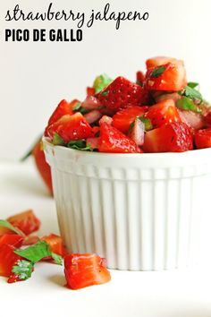 Strawberry jalapeno pico de gallo or salsa recipe! Only a handful of ingredients and ready in less than 10 minutes. Strawberry Recipes, Fruit Recipes, Appetizer Recipes, Mexican Food Recipes, New Recipes, Vegetarian Recipes, Favorite Recipes, Amazing Recipes, Vegan Vegetarian