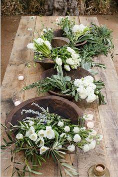 florals in wooden bowls