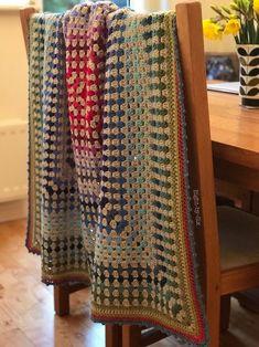 Crochet Afghans, Afghan Crochet Patterns, Crochet Granny, Crochet Stitches, Knitting Patterns, Granny Pattern, Crochet Blankets, Crochet Fall, Crochet Home