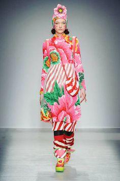 Manish Arora Fall 2014 Ready-to-Wear Runway - Manish Arora Ready-to-Wear Collection