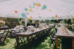 Such a beautiful wedding dress and that flower crown | Beautiful and colorful outdoor wedding in southern Brazil | Photos by Frankie&Marilia (42)