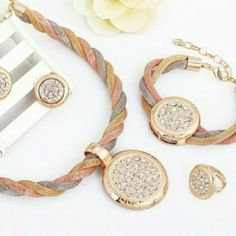 Tricolor gold plated jewelry set necklace earnings Tricolor gold plated jewelry set necklace earnings bracelet and ring Jewelry