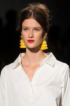 Badgley Mischka at New York Fashion Week Spring 2018 - Livingly