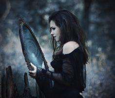 """""""Witch"""" Autora: MariannaInsomnia (Marianna Orlova) http://mariannainsomnia.deviantart.com/"""