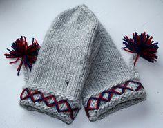 #Lovikka #Knitting #Mittens