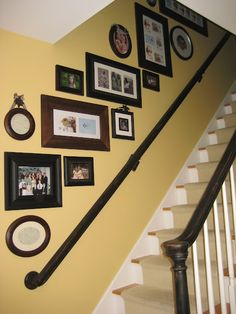 Down to Earth Style: Funky Staircase Staircase Frames, Staircase Wall Decor, Stairway Walls, Frame Wall Collage, Frames On Wall, Framed Wall, Picture Arrangements On Wall, Photo Arrangement, Frame Arrangements