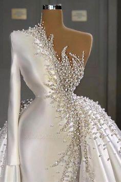 Satin Mermaid Wedding Dress, Fancy Wedding Dresses, Glam Dresses, Stunning Wedding Dresses, Elegant Dresses, Bridal Dresses, Beautiful Dresses, Wedding Gowns, Wedding Dress Bustle