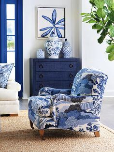 Blue Rooms, White Rooms, Blue And White Living Room, White Decor, Blue Home Decor, White Art, Club Chairs, Dining Chairs, Chinoiserie