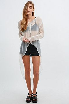 Kimchi Blue Femme Blouse in Ivory - Urban Outfitters