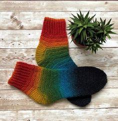 New pair of crochet socks from merino wool 🐏🐑 🍁 I love these colors ❤️ Rainbow Crochet, Crochet Socks, Sock Yarn, Crochet Accessories, Merino Wool, Creative, Blog, Crocheting, Colors