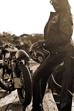#CafeRacer #TonUp