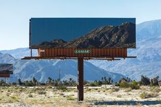 Artist Jennifer Bolande uses billboards to advertise the very thing they so often distract us from. Set up between the Gene Autry Trail and Vista Chino in California, the installation not only draws drivers' attention back to the natural landscape, … Continue reading →