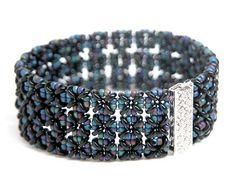 Beading Tutorial - Hopscotch Bracelet - Right Angle Weave - O beads Beaded Bracelets Tutorial, Beaded Bracelet Patterns, Woven Bracelets, Seed Bead Bracelets, Bead Earrings, Beading Patterns, Beaded Jewelry, Jewellery Bracelets, Bracelets