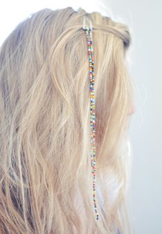 Hair Jewelry Acessories 23 BEAUTIFUL DIY HAIR ACCESSORIES - Here are some beautiful DIY tutorials that will inspire to never get out with naked hair again! Look beautiful and and pay attention to your hair, and Hair Jewelry, Beaded Jewelry, Handmade Jewelry, Handmade Wire, Jewlery, Beaded Bracelets, Hanging Beads, Diy Hanging, Diy Accessoires