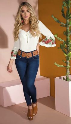 Tips For Understanding Women's Fashion Without You Hesitating! Sexy Outfits, Stylish Outfits, Summer Outfits, Cute Outfits, Fashion Outfits, Womens Fashion, Sexy Jeans, Skinny Jeans, Look Legging