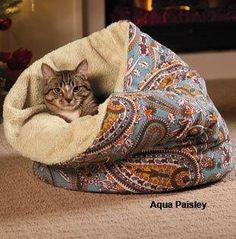 Berber Cove - looks cozy and love the aqua pattern Diy Cat Toys, Cat Room, Cat Accessories, Cat Crafts, Cat Supplies, Pet Beds, Crazy Cats, Animals And Pets, Cats And Kittens