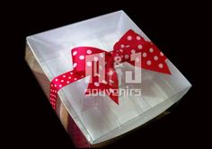 Caja para dulces Materiales: Cartulina Acetato Aplique: cinta+ lazo