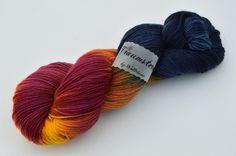 Handgefärbte Sockenwolle Lampion von Wollträume auf DaWanda.com